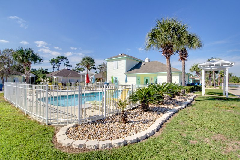 This beautiful, centrally located swimming pool awaits your arrival! - Piper's Cove (4300 A) - Orange Beach - rentals