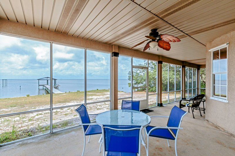 Gorgeous Bayfront Views From The Screened Porch - Bay Dreamin' - Gulf Shores - rentals