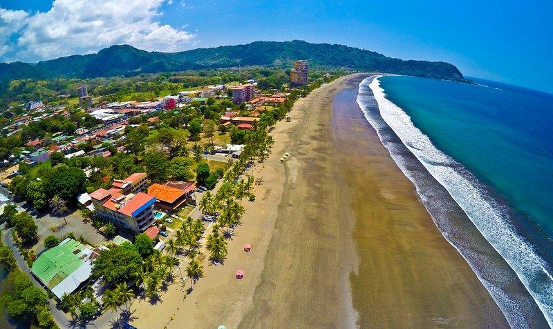 Bahia Encantada 3I 3rd Floor Beach View - Image 1 - Jaco - rentals