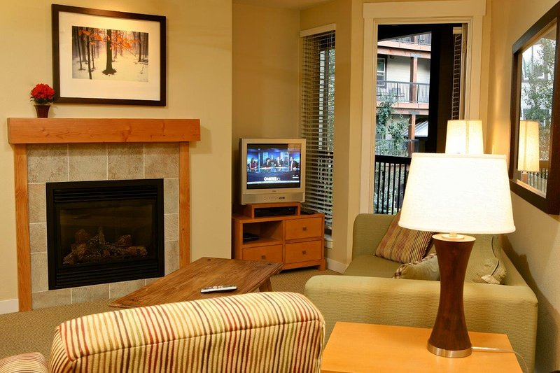 Living room with adjoining balcony - Fraser Crossing 3409 - Winter Park - rentals