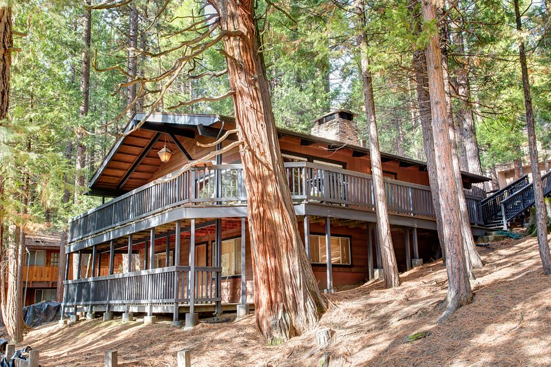 View of front of home - (18B) Hiltbrand Hangout - Wawona - rentals