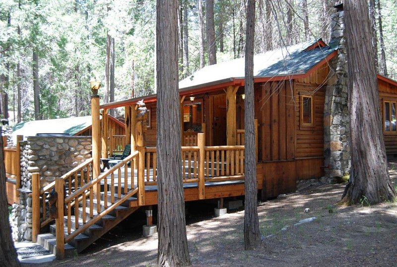 Raccoon Hollow - (27) Raccoon Hollow - Wawona - rentals