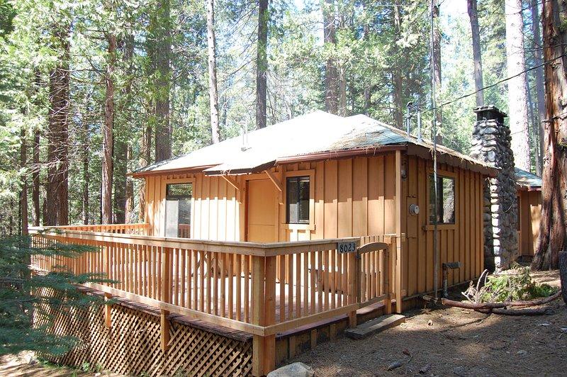 Entrance - (9S) Pine Cabin - Wawona - rentals
