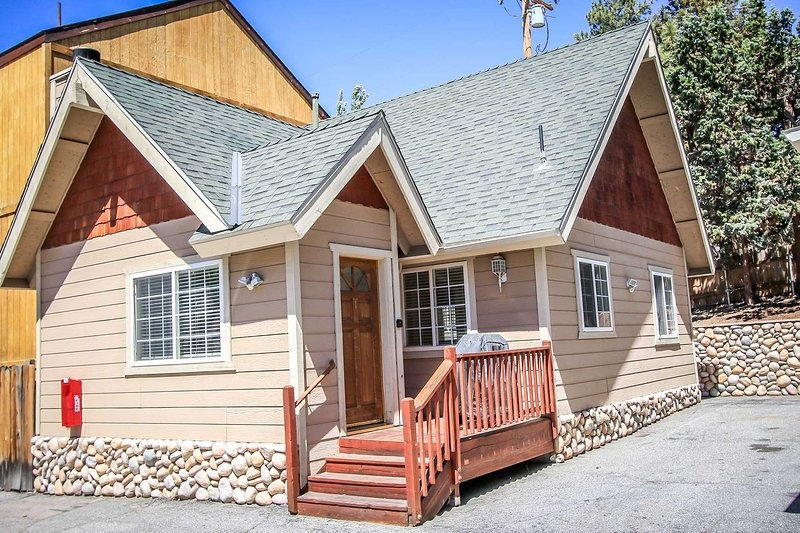 Front View - 1481-Lakeview Forest - Big Bear Lake - rentals