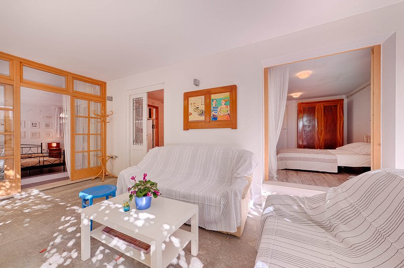 Yard as a living room for reading, relaxing or having a great time - A yard as a living room - Sibenik - rentals