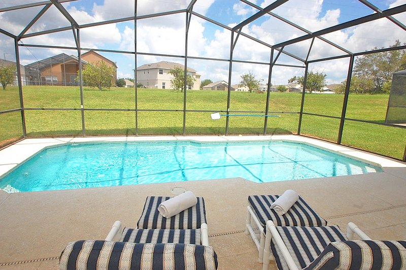 Screened in pool and very large sun bathing deck - 324OBC-Luna Vista - Davenport - rentals