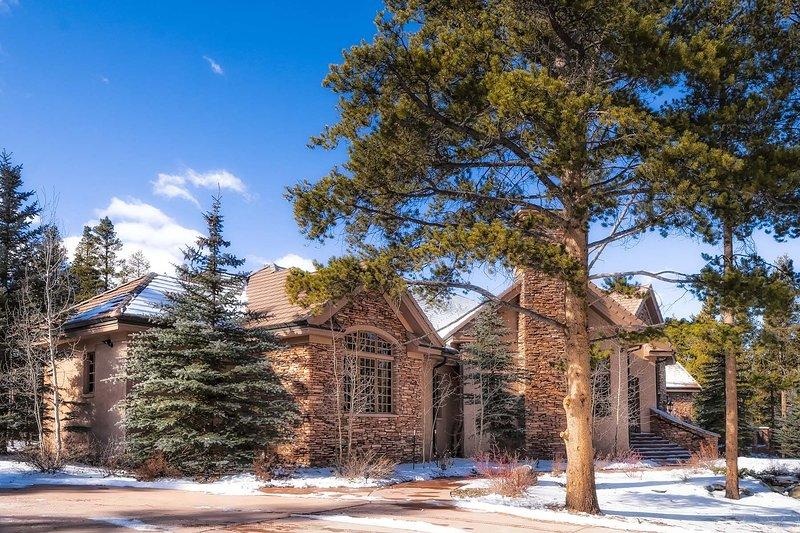 Exterior Winter View - Gold King Retreat - Breckenridge - rentals