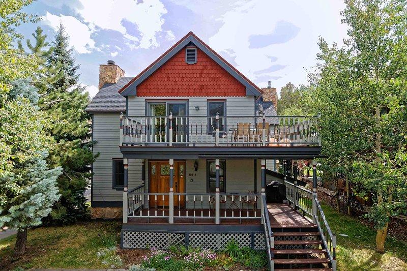 Three Bedroom Breckenridge Vacation Rental - High Street Chalet - Breckenridge - rentals