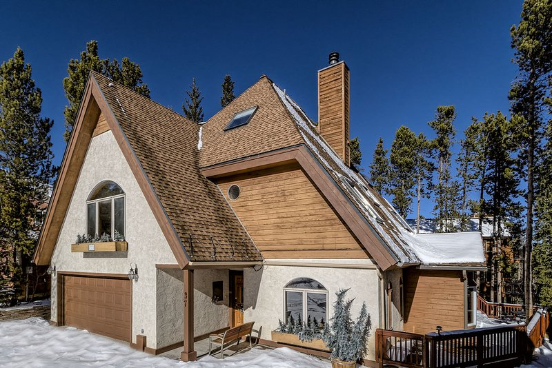 Exterior Driveway View - Timber Hill Chalet - Breckenridge - rentals