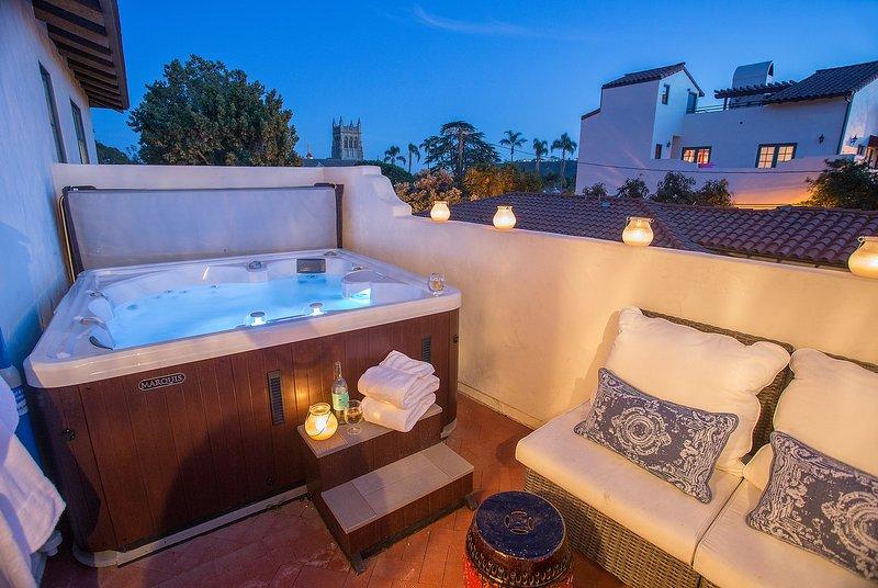 Enclosed deck with 5-person spa - Downtown Paradise - Santa Barbara - rentals