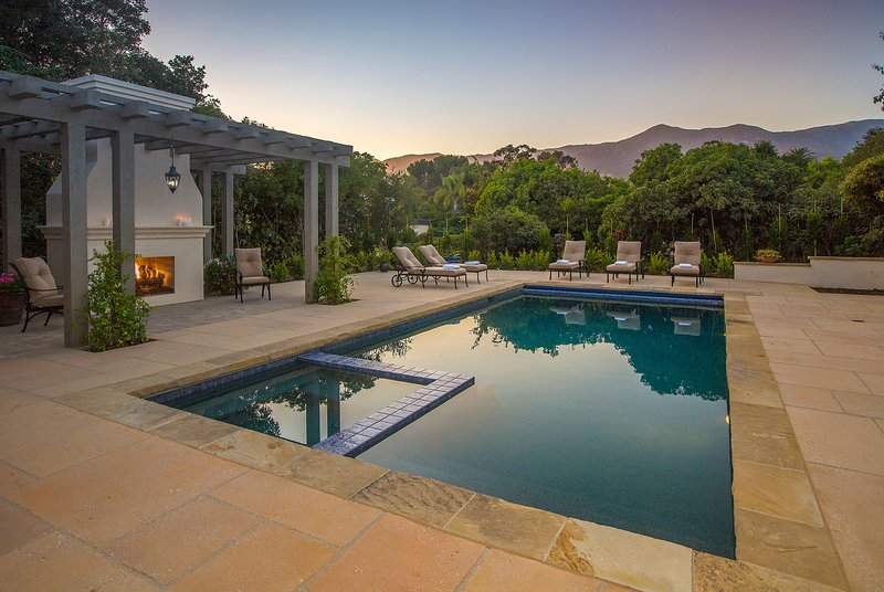 Enjoy the sunset around the pool and outdoor fireplace - Villa Monte Sereno - Santa Barbara - rentals