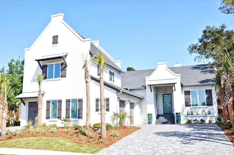 Brand New Luxury Home - Professionally Decorated - Sea Esta Retreat - gorgeous Modern Home in Gated Community - Destin - rentals