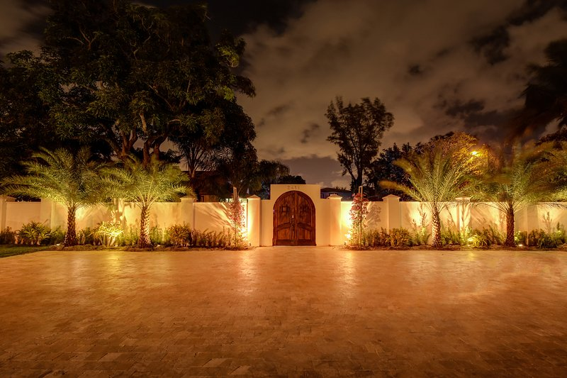 Private parking to the private compound. - Decadent Compound - Hollywood - rentals