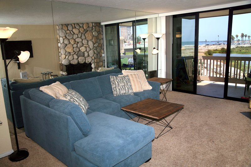 Living room with full sofa sleeper - G32 - Harbor Cottage - Oceanside - rentals