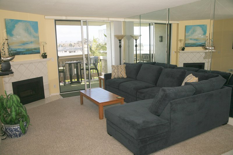E105 - Seascape Stay - Image 1 - Oceanside - rentals