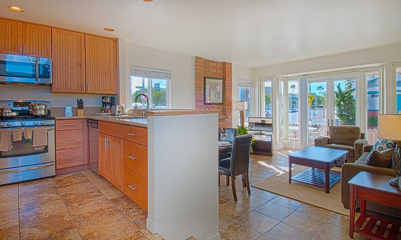 Kitchen-Dining-Family Room - 107 A 33rd Street - Newport Beach - rentals