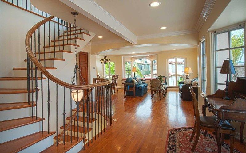 2nd Floor - Main Living Area - 1305 A W. Bay - Newport Beach - rentals