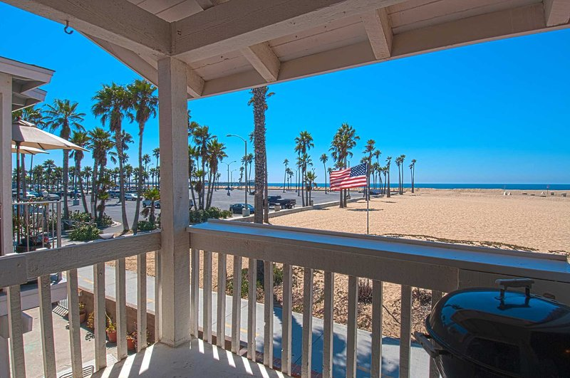Balcony view to the beach and Balboa Pier - 414 B E. Oceanfront - Newport Beach - rentals