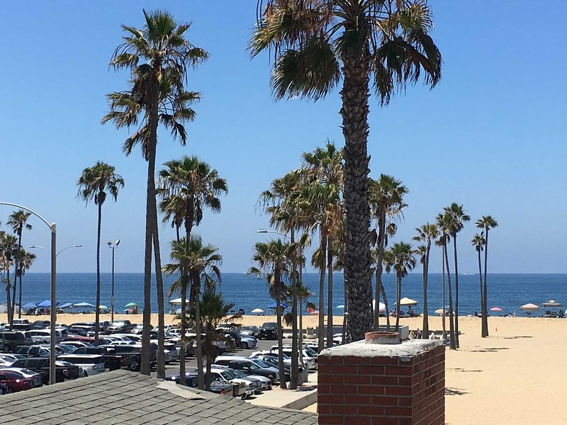 View from the roof top deck - 414 C E. Oceanfront - Newport Beach - rentals