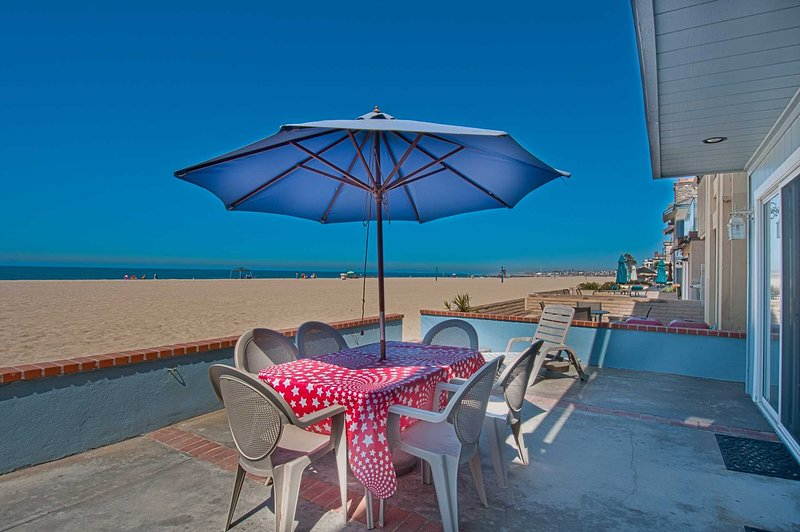 Patio & View - 3703 A Seashore - Newport Beach - rentals
