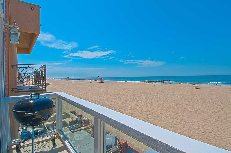 Balcony View - 3703 B Seashore - Newport Beach - rentals