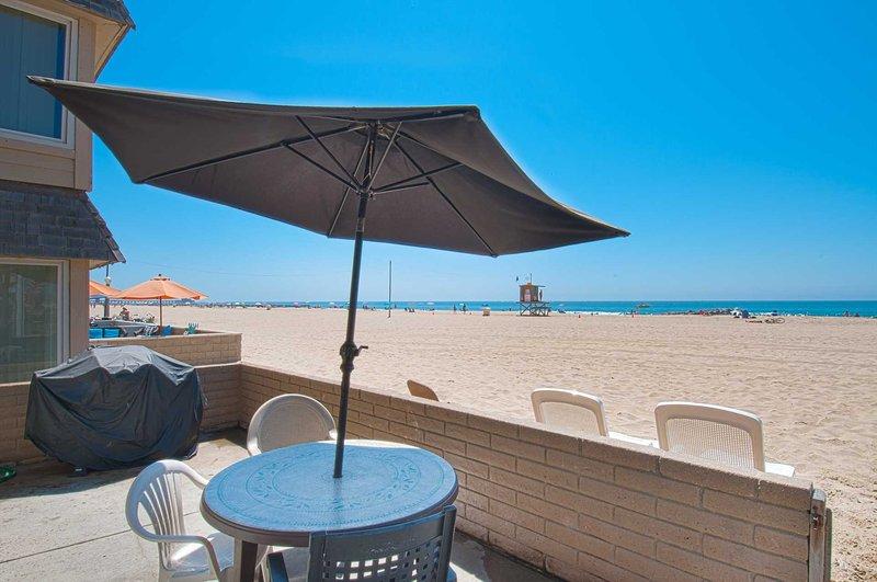 Patio & view to the beach - 3607 A Seashore - Newport Beach - rentals