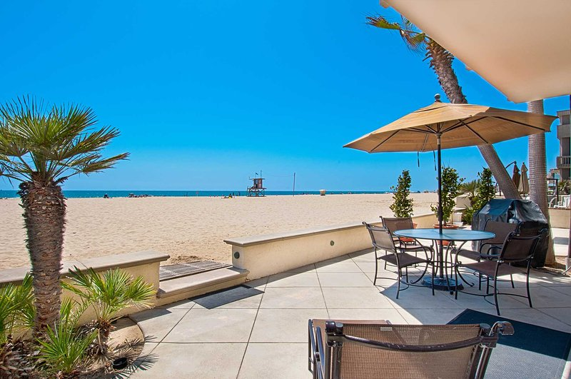 Patio & View - 4305 Seashore - Newport Beach - rentals