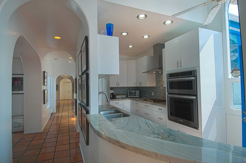 Picture of kitchen showing the unique architecture of the unit - 507 A 29th Street - Newport Beach - rentals