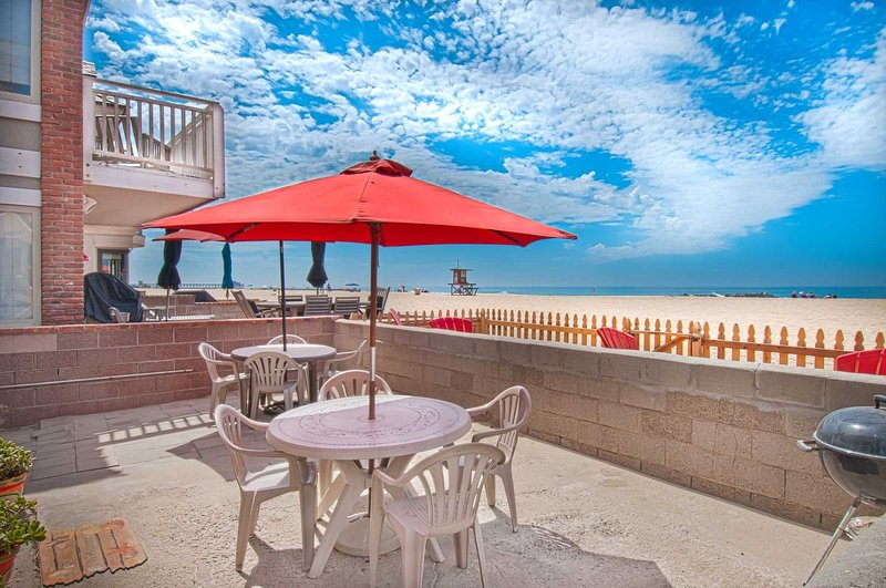 Patio & View - 3615 A Seashore - Off-Season Only - Newport Beach - rentals