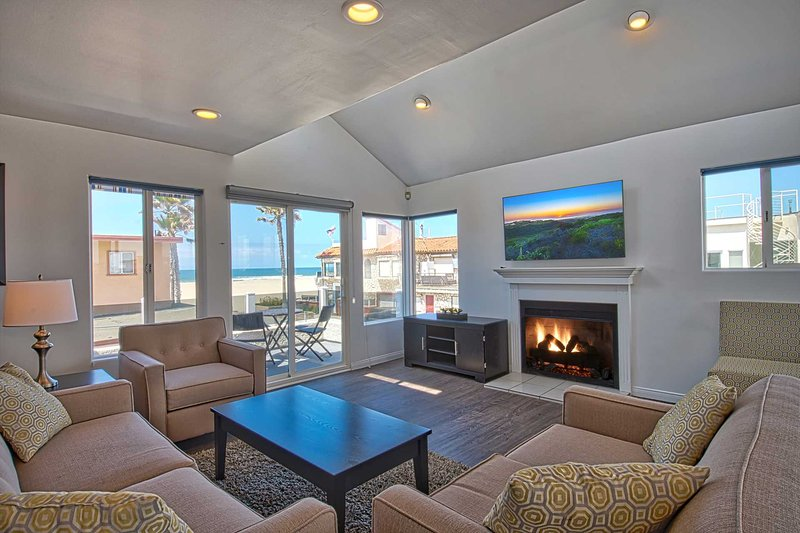 2nd Floor Living Room Area Showing View - 6711 Seashore - Newport Beach - rentals