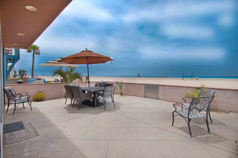 Patio & View - 6602 A W. Oceanfront - Newport Beach - rentals