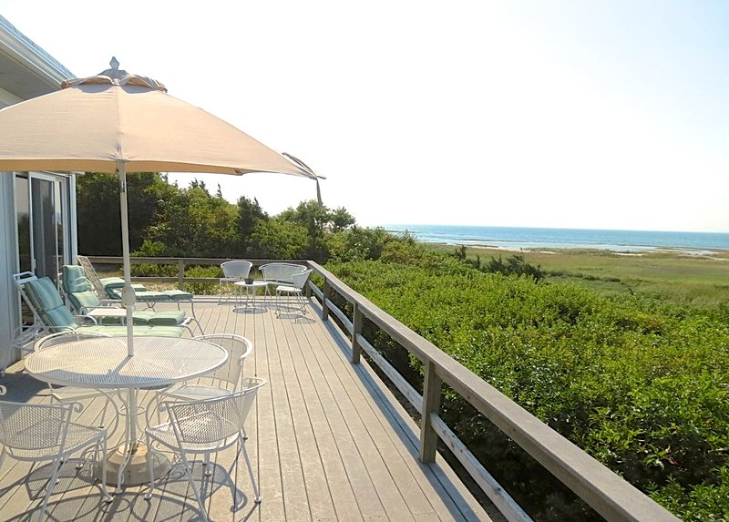 Directly on Cape Cod Bay nestled between Rock Harbor and Skaket Beach, this beach house simply has a great location and amenities to enjoy the best of bayside Orleans. - Sweeping Bay Views, Privacy, Two Kitchens: 071-O - Orleans - rentals