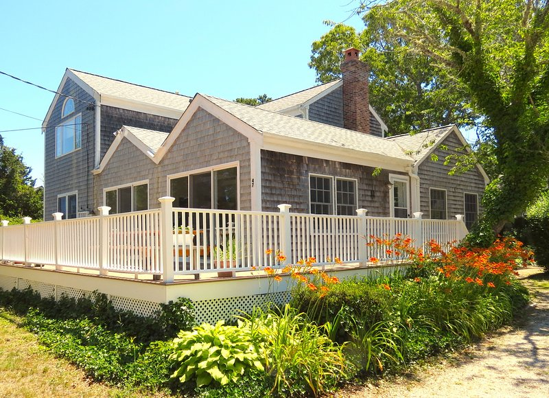 Large, handsome home in the popular Ellis Landing Beach neighborhood of East Brewster. - Roomy, Bright Home 4 Minute Walk to Beach--047-B - Brewster - rentals