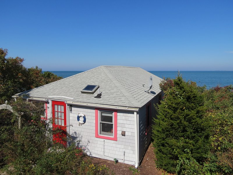 Here's your classic Cape beach cottage, directly on a perfect sandy Brewster beach. - Sweet Cottage on Private Bayside Beach--074-B - Brewster - rentals