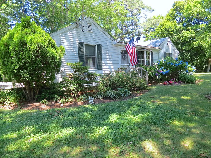 It's a classic Cape cottage, renovated and updated throughout for a comfortable, upscale vacation experience. - Elegantly Renovated, Walk 3 Min. to Beach -- 113-B - Brewster - rentals