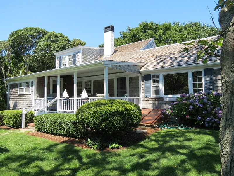 4 bedroom, 2 bath quintessential Cape Cod home - Harwich Port gem w/beautiful views of harbor:003-H - Harwich Port - rentals