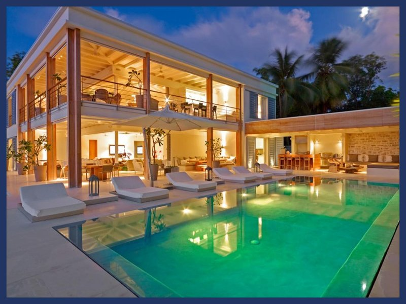 Stunning 5 Bed Home with Private Infinity Pool - Image 1 - The Garden - rentals