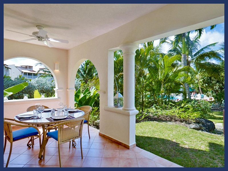 Fantastic One Bed Apartment with Pool - Image 1 - The Garden - rentals