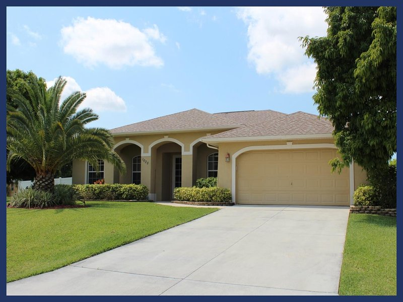 A luxury Cape Coral villa featuring 3 bedrooms and 2 bathrooms - the perfect place to relax - Image 1 - Matlacha - rentals