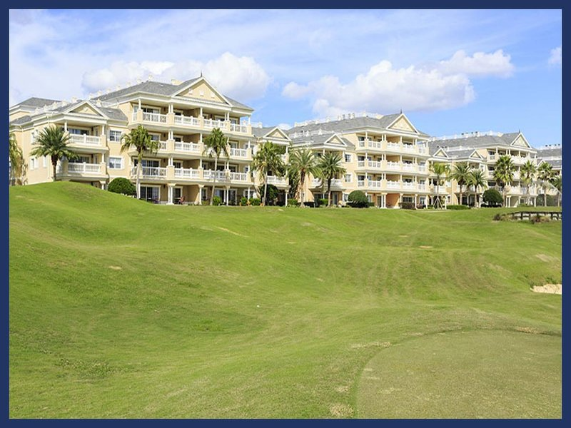 Stunning 3 Bed Condo with Private Balcony - Pool/Spa - Image 1 - Reunion - rentals