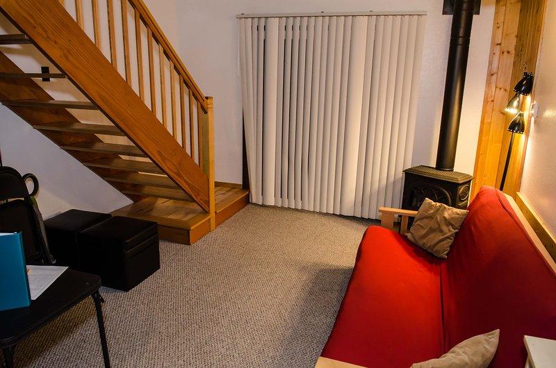 Living room w/gas stove - 56SLL Budget Priced Condo near Mt. Baker - Glacier - rentals