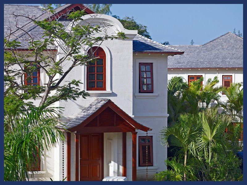 Luxury 3 Bed Home with Private Pool/Jacuzzi - Image 1 - Gibbs Bay - rentals