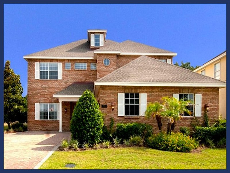Luxury 6 Bedroom + Den, games room, private pool and spa plus spectacular Golf View - Image 1 - Reunion - rentals