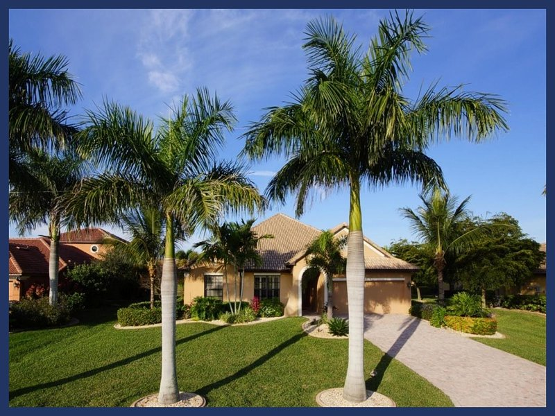 Superb luxury villa-Pool with amazing water features-4 bedrooms-Games room-Summer Kitchen - Image 1 - Cape Coral - rentals