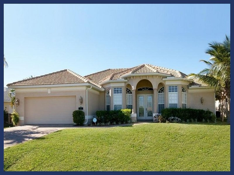 Cape Coral villa includes 3 stunning bedrooms- Beautiful swimming pool- BBQ- Pet friendly - Image 1 - Cape Coral - rentals
