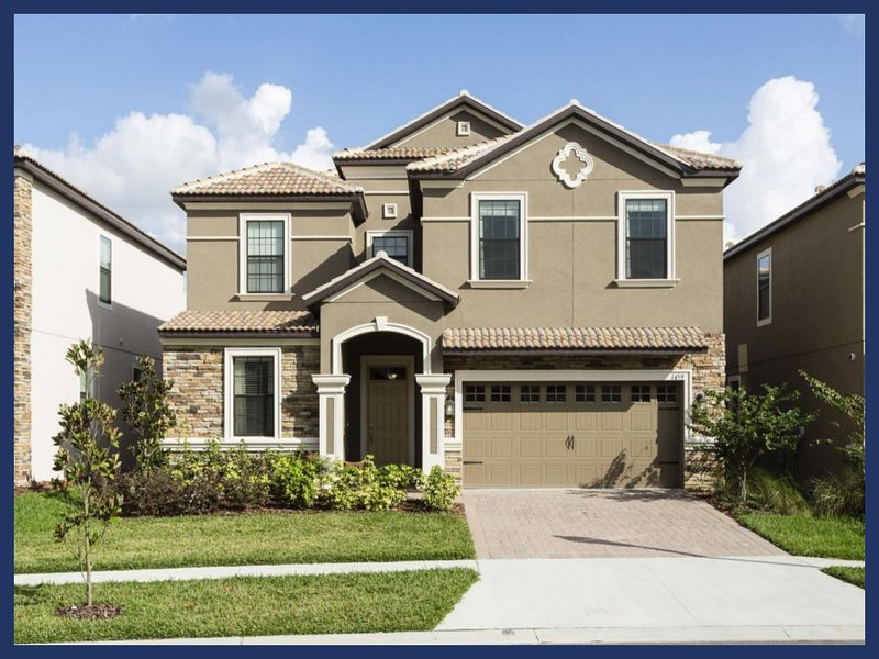 Beautiful Family Home - Private Pool, Games Room - Image 1 - Davenport - rentals