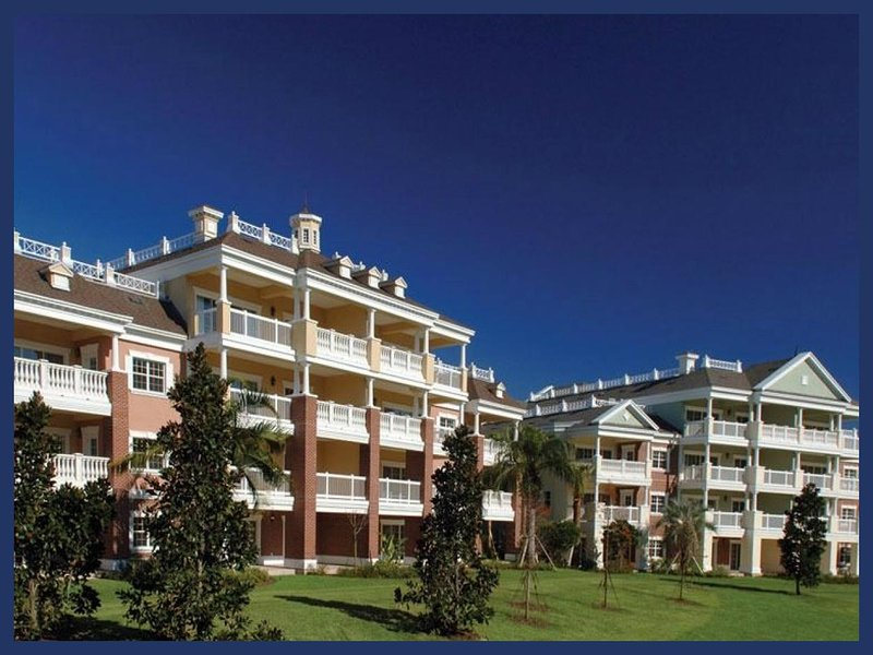 Fantastic 4 Bed Apartment with Golf Course Views - Image 1 - Reunion - rentals