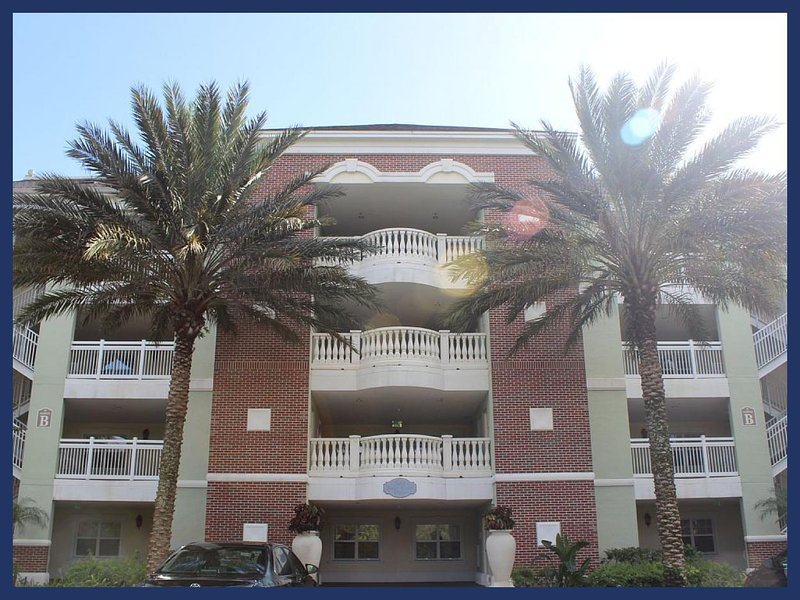 Luxury 3 Bed Apartment Overlooking Golf Course - Image 1 - Reunion - rentals