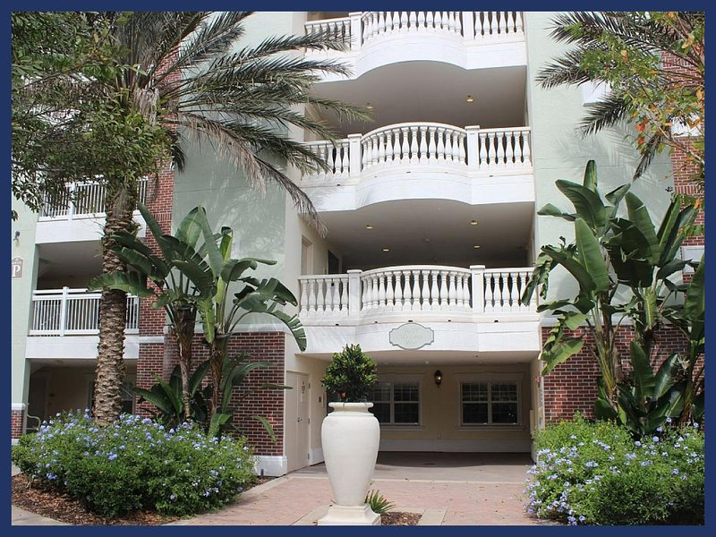 Luxury 3 Bed Apartment with Breathtaking Golf View - Image 1 - Reunion - rentals
