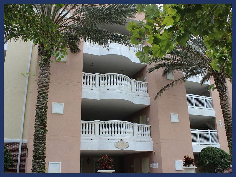 Luxury 3 Bed Apartment with Beautiful Golf Views - Image 1 - Reunion - rentals
